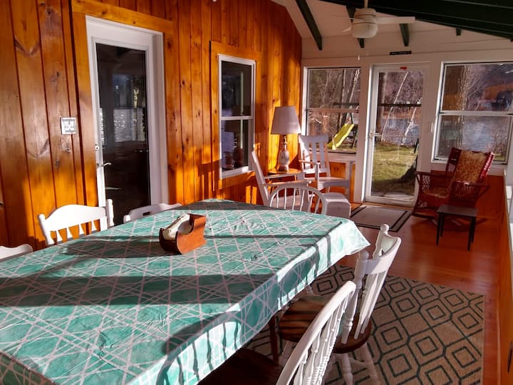Cozy Waterfront Cottage Minutes from Keene, NH!