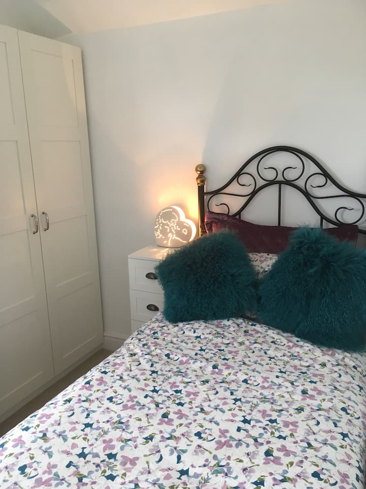 Lovely single room in Carlton Notts (LADIES ONLY)