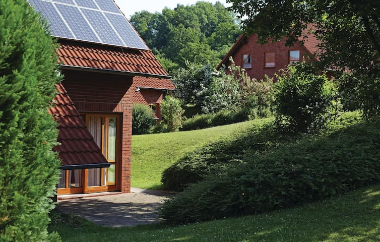 Semi-Detached with 3 bedrooms on 82 m² in Nieheim