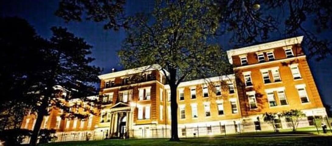 The Historic Loretto at Night