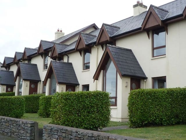 Seascape Cottages  - 3 Bedroom House sleeps 6 - Schull - Rumah