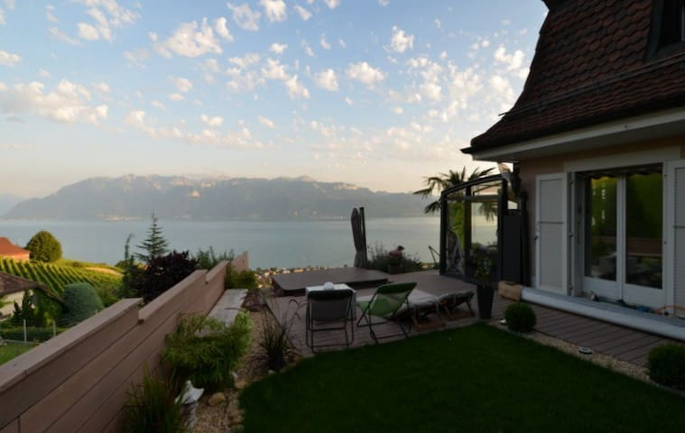 Romantica Room in the Lavaux !