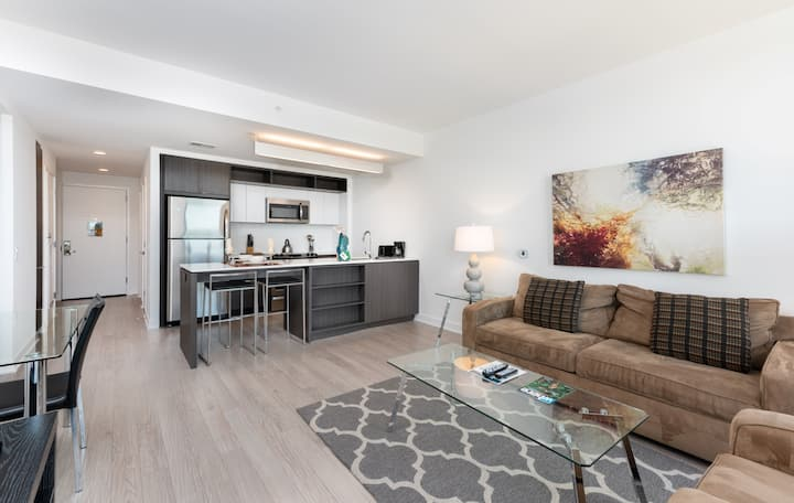 Lovely 1BR Apartment | Reston Town Center | by GLS