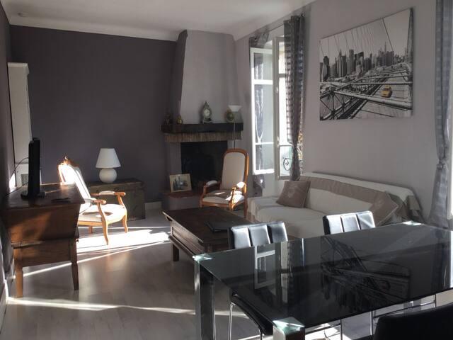 JOLI APPARTEMENT 85m2 DANS MAISON - Cannes - Appartement