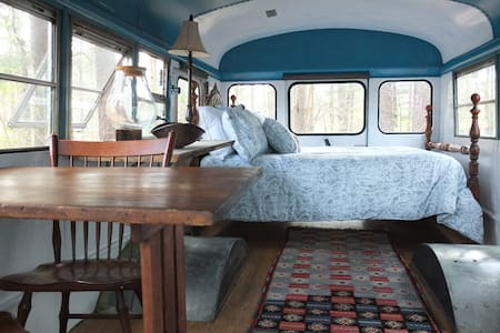 Romantic Bus in the forest - Weaverville - Overig