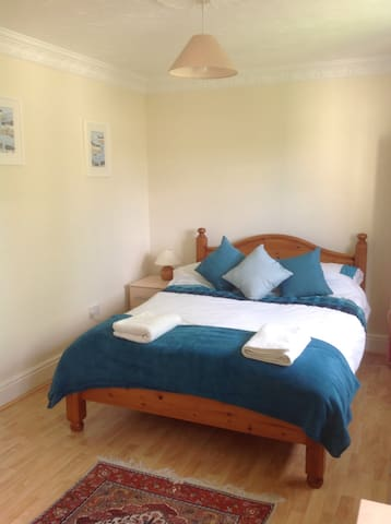 Large Double Room, Large Shared Guest Bathroom, - Hertfordshire - Inap sarapan