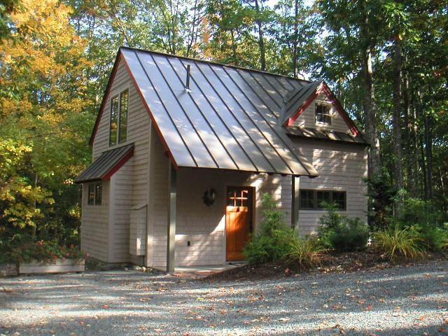 Acorn Cottage - Storybook cottage in Bar Harbor