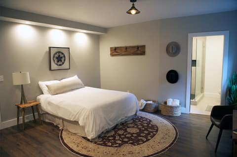 Relaxing 1 Bed Retreat Just Outside Music City