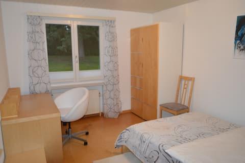 Ein-Bett-Zimmer im Gästehaus Olga
