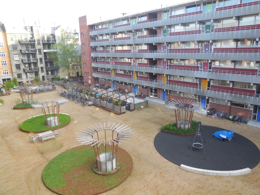 This is the view of the courtyard as seen from the balcony.