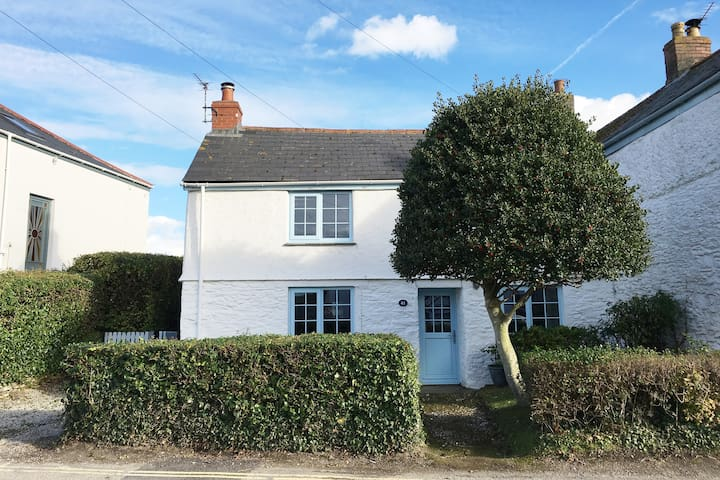 Veronica Cottage - Cosy and charming bolthole