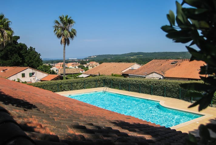 Charming house NATURE near ST. Tropez , Cogolin. - Cogolin - Huis