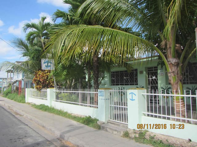 Casa Tropical Room 2 - Pinar del Río