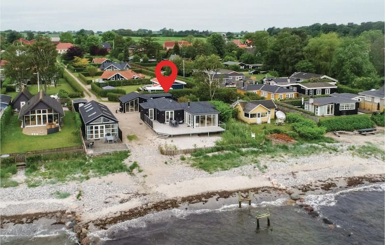 Holiday cottage with 3 bedrooms on 110m² in Nyborg