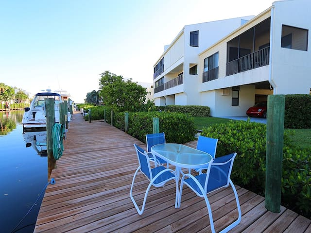 Smugglers Landing #601: 3 BR/ 2 BA Condo on Cortez by RVA, Sleeps 6