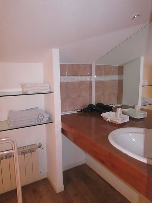Chambre aguerria 2 3 personnes hendaye plage chambres d for Chambre hote hendaye