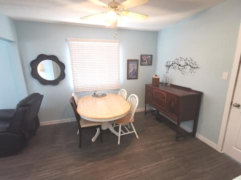 Whole House - Renovated 5 bedroom near downtown
