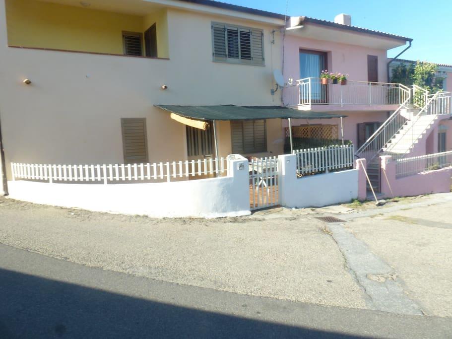 Quadrilocale ad agrustos appartamenti in affitto a for Agrustos appartamenti affitto