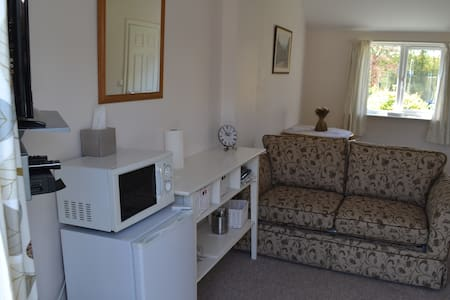 Wagtails Lodge - Dorset - Bed & Breakfast