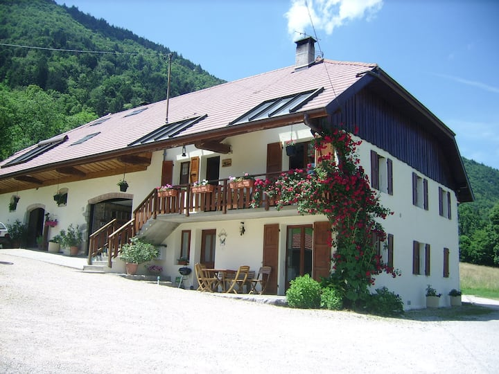 lathuile annecy ancienne ferme