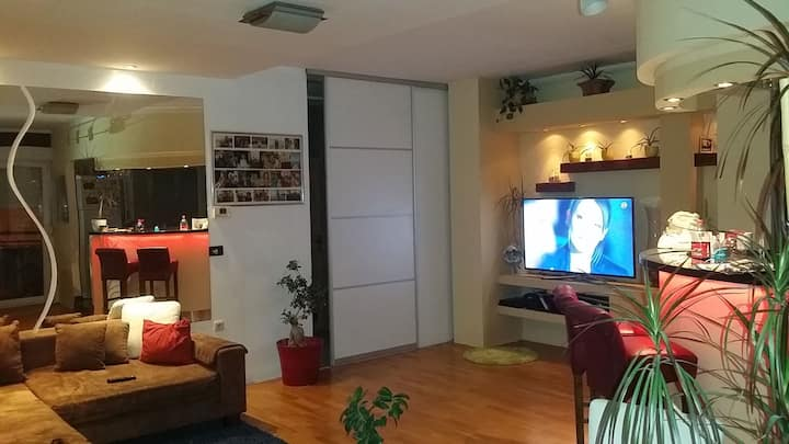 Large apartment in a quiet neighborhood