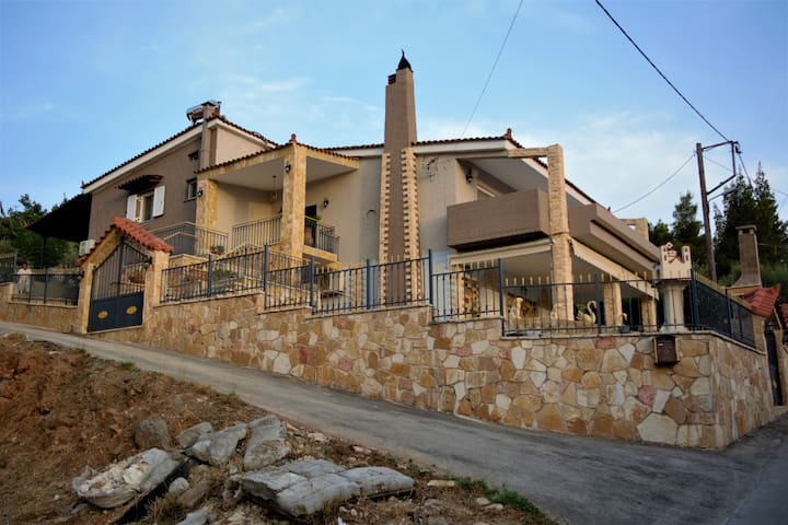 Dream House with Panoramic View in Nafplio