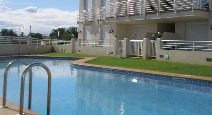 Apartment on 1 line with pool and big terrace!