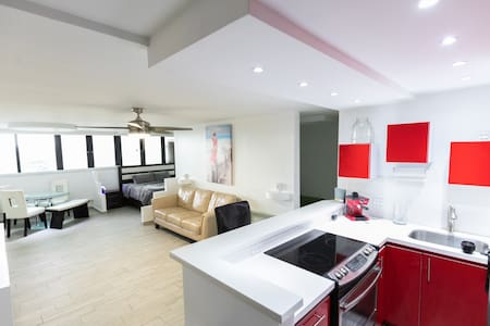 Isla Verde Spacious Suite, Right on the Water!