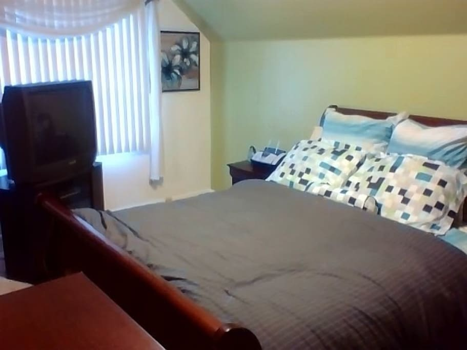 3 clean queen size bedrooms houses for rent in detroit for 7 bedroom house for rent in michigan