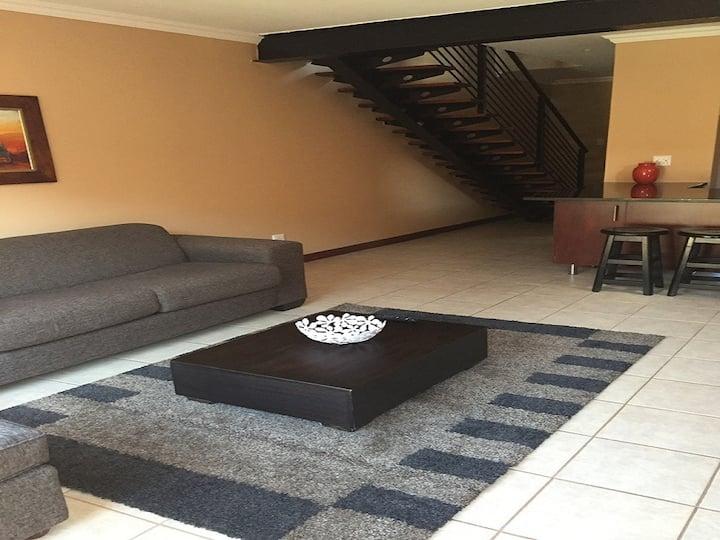 Furnished apartment Long or  Short Bloemfontein