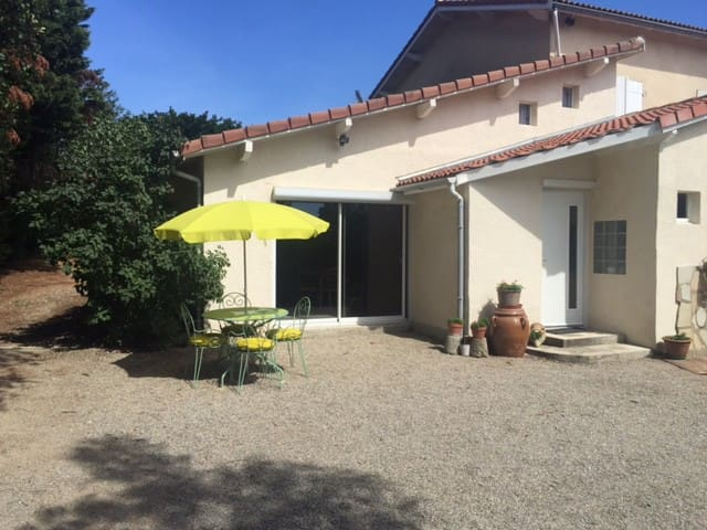 Studio 50 m2 calme avec vue magnifique - Chavanay - Wohnung
