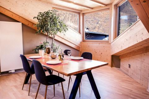 100qm, Perfect Location, Sun Terrace, Huge Kitchen