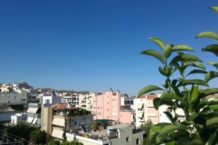 拥有超大平台的温馨家园(宝樾阁) - Pallini - Apartemen