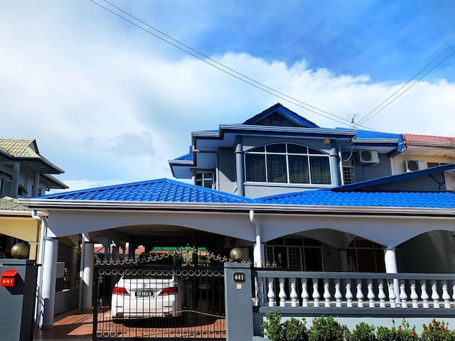 Bright & Cozy House in Sandakan