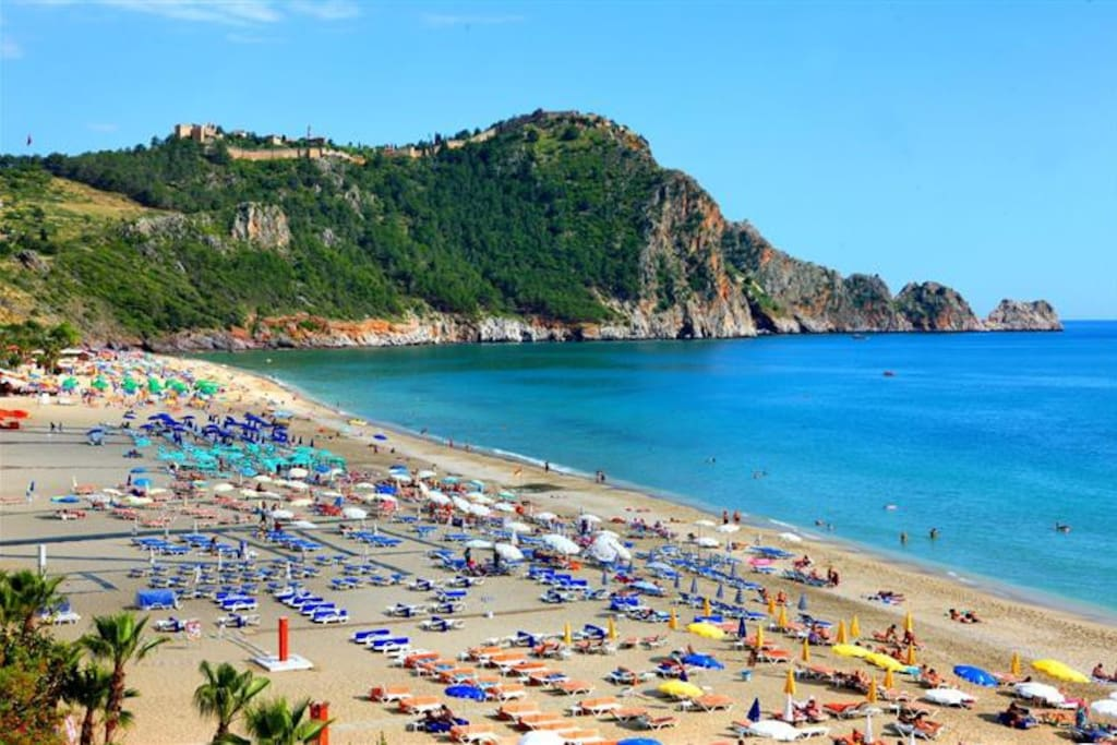 This beach is in fron of the apartment. The best one in Alanya!
