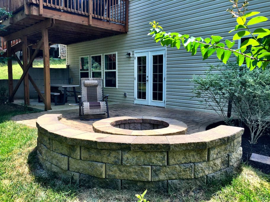Private Entrance/Exit, outdoor fire pit and sitting area.