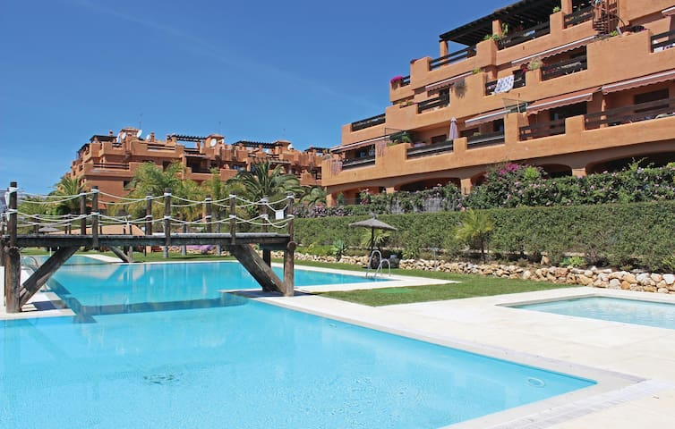 Holiday apartment with 2 bedrooms on 76m² in Estepona