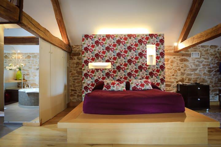 Villa 2 à 6 personnes dans parc 40 hectares - Nieul - Bed & Breakfast