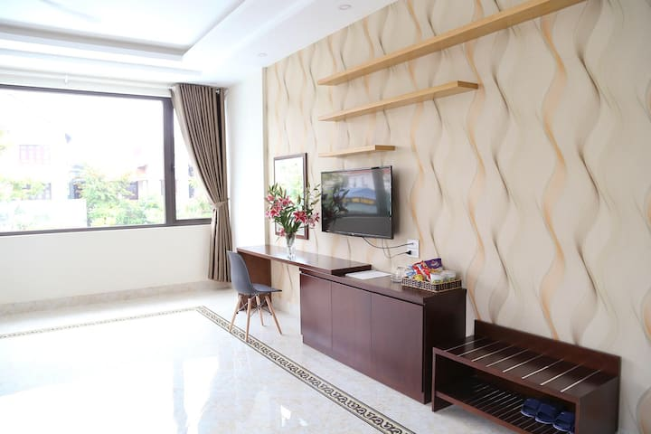 Name: Suite double room King size bed (2m) Square: 36 m2 Bathtub Window, air conditioner, hot water...