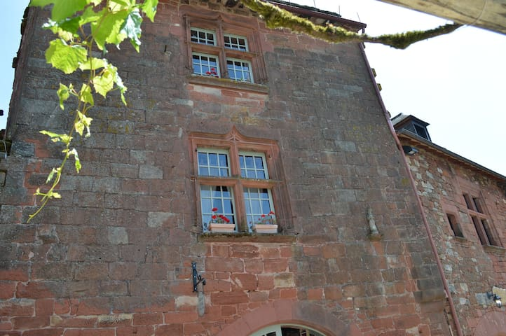 maison du pelerin - Collonges-la-Rouge - House