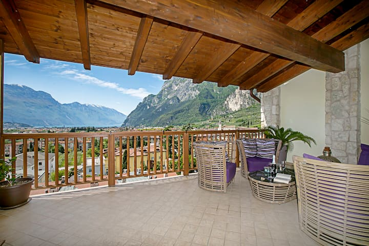 Riva Suite Lake View
