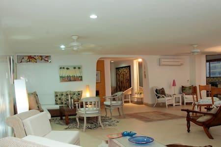 Stunning 3BR Condo in Bocagrande - Cartagena - Apartment