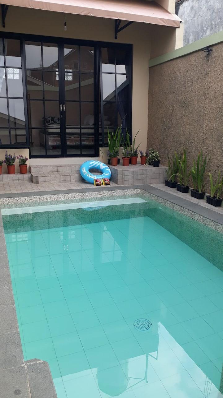 Omah Wilis: homy villa with private pool in Batu