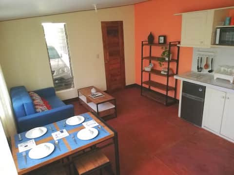 Dumaguete GUEST STUDIO for 6, close to town center