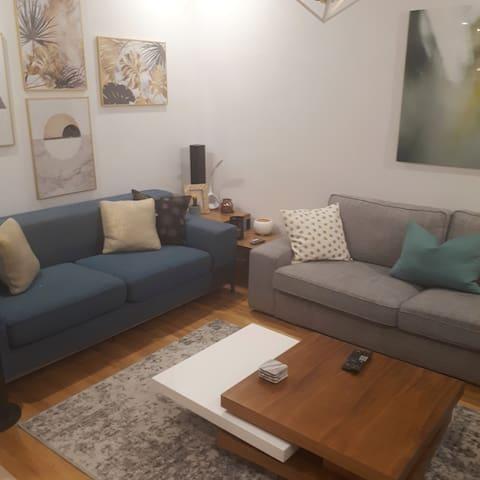 Logement cozy avec une belle vie de quartier