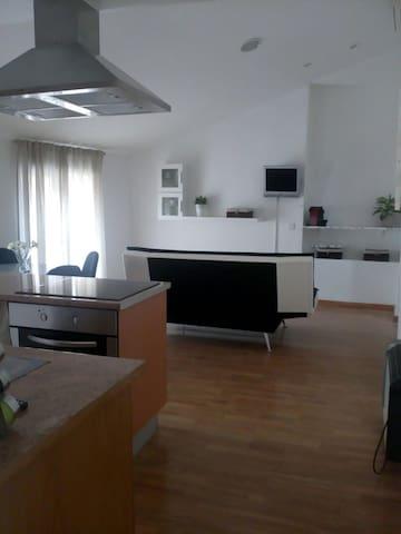 Casa apartamento cómodo y luminoso en Valencia