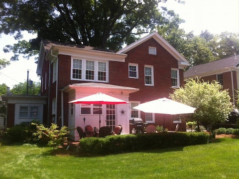 3 rm suite with private entrance Historic Concord