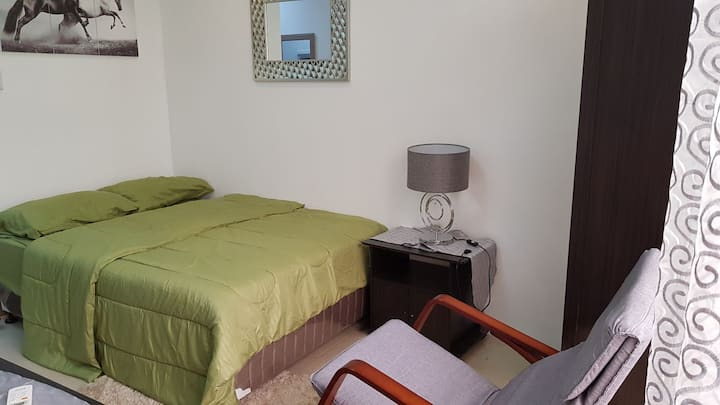Studio Unit near Ayala w/ Hi Speed 25mbps Internet