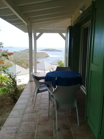 bungalow avec vue magnifique