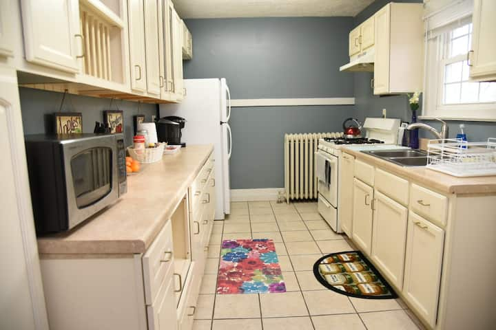 Warren 2 Bedroom, Whole Apartment, Kid Friendly